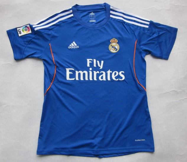 equipacion-real-madrid-segunda