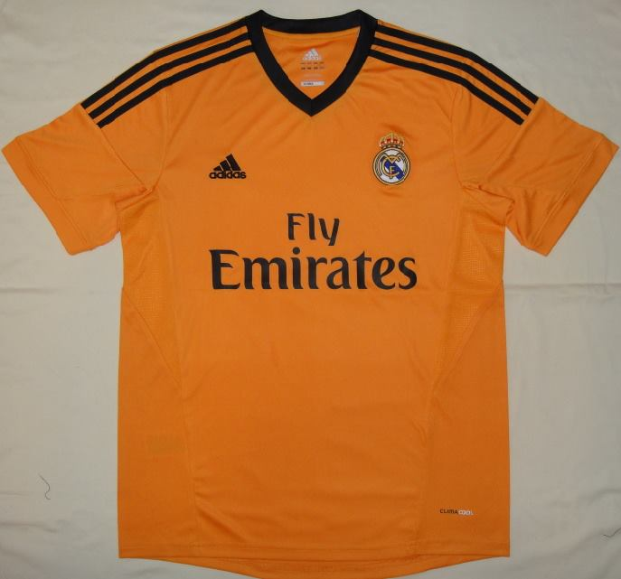equipacion-real-madrid-tercera